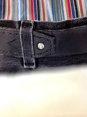 hand(0.0), brown(0.0), zipper(0.0), textile(1.0), strap(1.0), leather(1.0), belt(1.0),