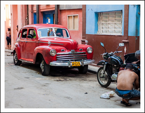 oldtimer in havanna by hans van egdom