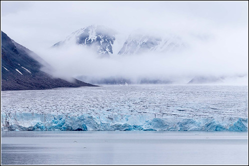 sea summer mist mountain glacier svalbard arctic 2013 svalbardandjanmayen