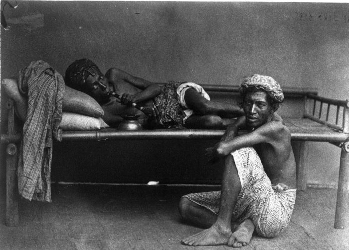 opium smoking in Java