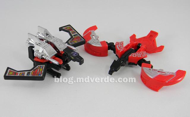 Transformers Laserbeak Legends - Generations Fall of Cybertron - modo robot vs G1