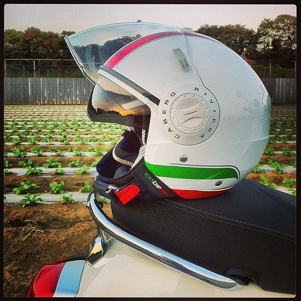インナーバイザー超便利。#Caberg #Riviera V2+ & #Piaggio #Vespa LX125 3V