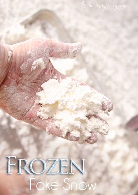 great sensory play with fake frozen snow, it's easy to make and fun to  play with