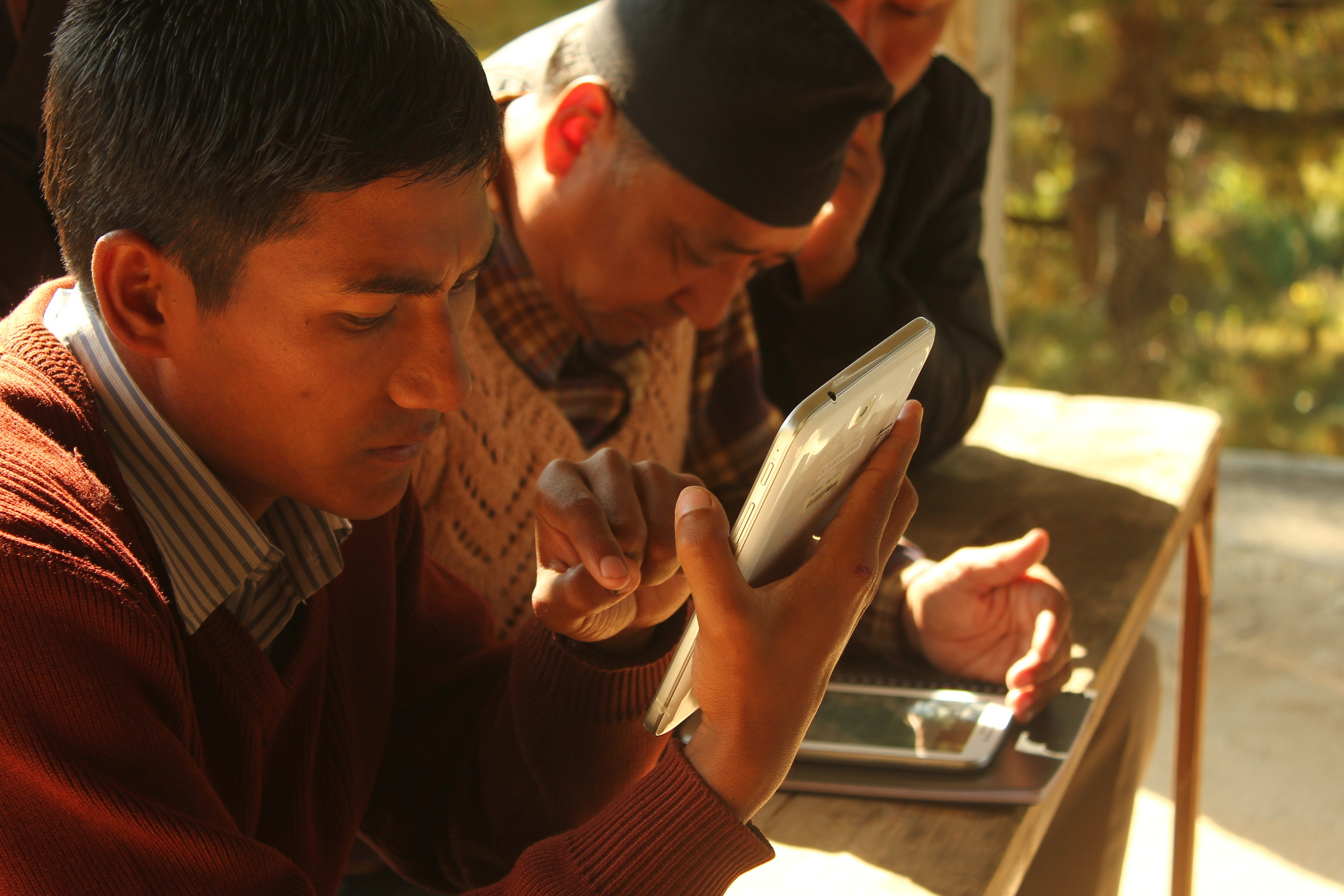 Community monitors testing DevelopmentCheck app in Nepal