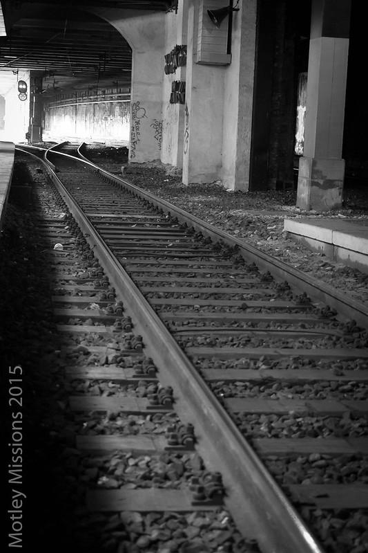 train tracks in tunnel split