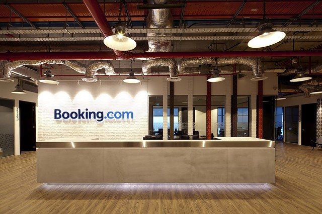 150524_booking_com_22__r