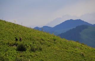 Walking to Kumbel Peak