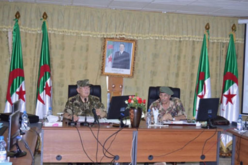 الجزائر : صلاحيات نائب وزير الدفاع الوطني - صفحة 4 30142057303_18c9322696_o