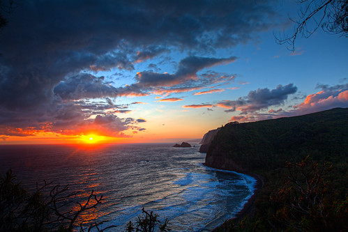 Pololu Valley Sunrise