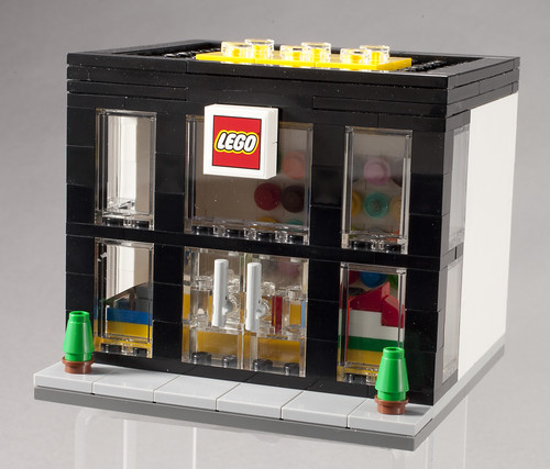 3300003 LEGO Brand Retail Store - Angle