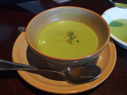 グリーンピースのスープ