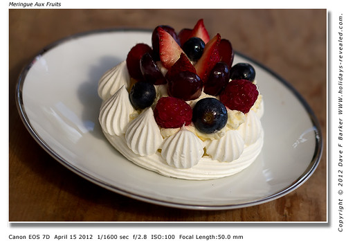 Meringue Aux Fruits