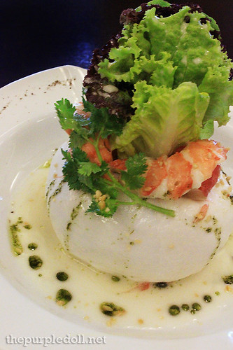 Shrimp, Pomelo and Young Coconut in Coconut Milk and Lime Dressing P270