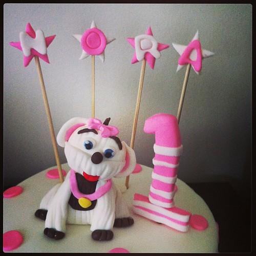 #birthdaycake #dog #1stbirthday #sugarart #sugarpaste #sugarcake #sekerhamurlupastalar #kopeklipasta by l'atelier de ronitte