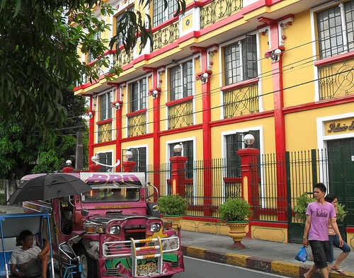 Colors are plenty in the Intramuros