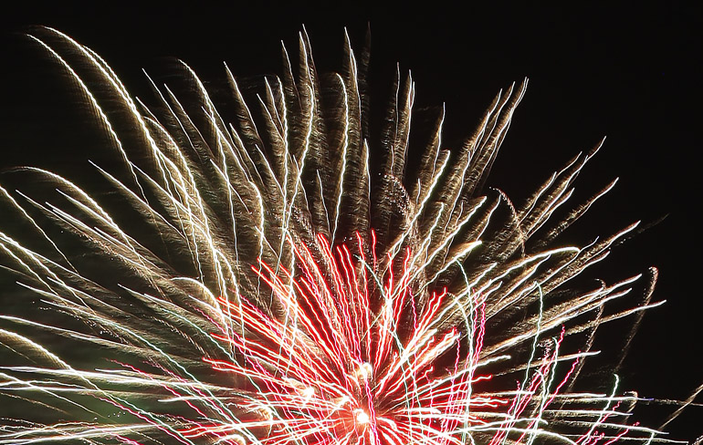 web_fireworks_0143