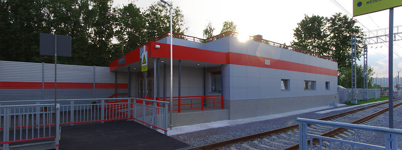Novoperedelkino station 2013-08-01 040- 2013-08-01 041