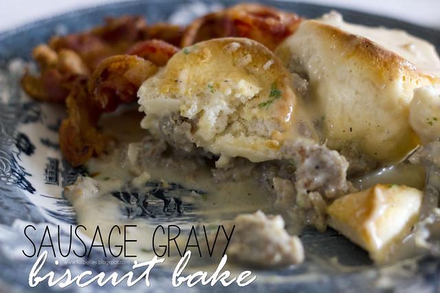 Sausage gravy biscuit bake