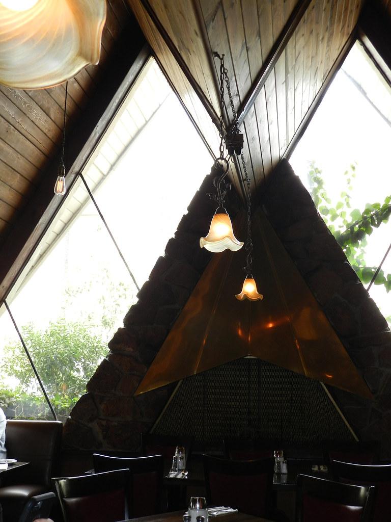 Foxy's Restaurant Glendale CA Photos by Keith Valcourt for RetroRoadmap.com