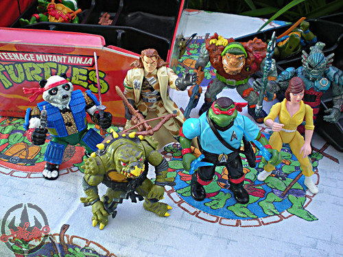 "Tara Toy Corp. :: ""TEENAGE MUTANT NINJA TURTLES"" - COLLECTORS CASE xxiii / inner trays (( 1988 ))"