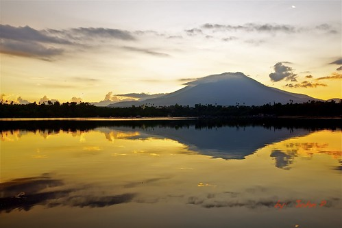 sky reflection clouds sunrise philippines laguna magichour sampaloclake sanpablocity calabarzon