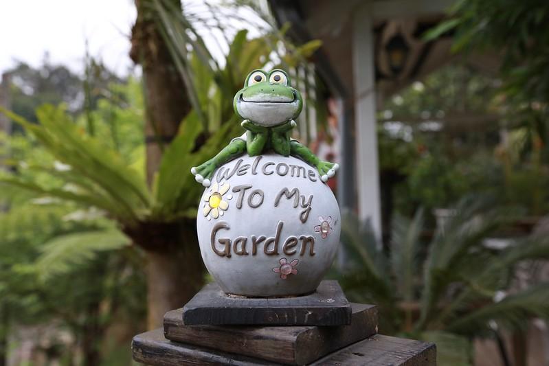 小青蛙迎賓雕像