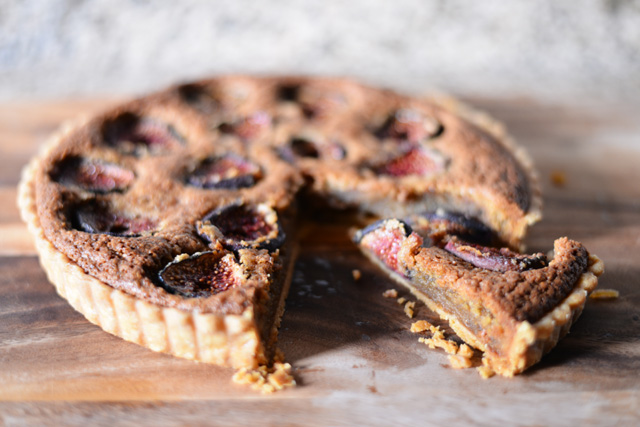 fresh-fig-tart-cut