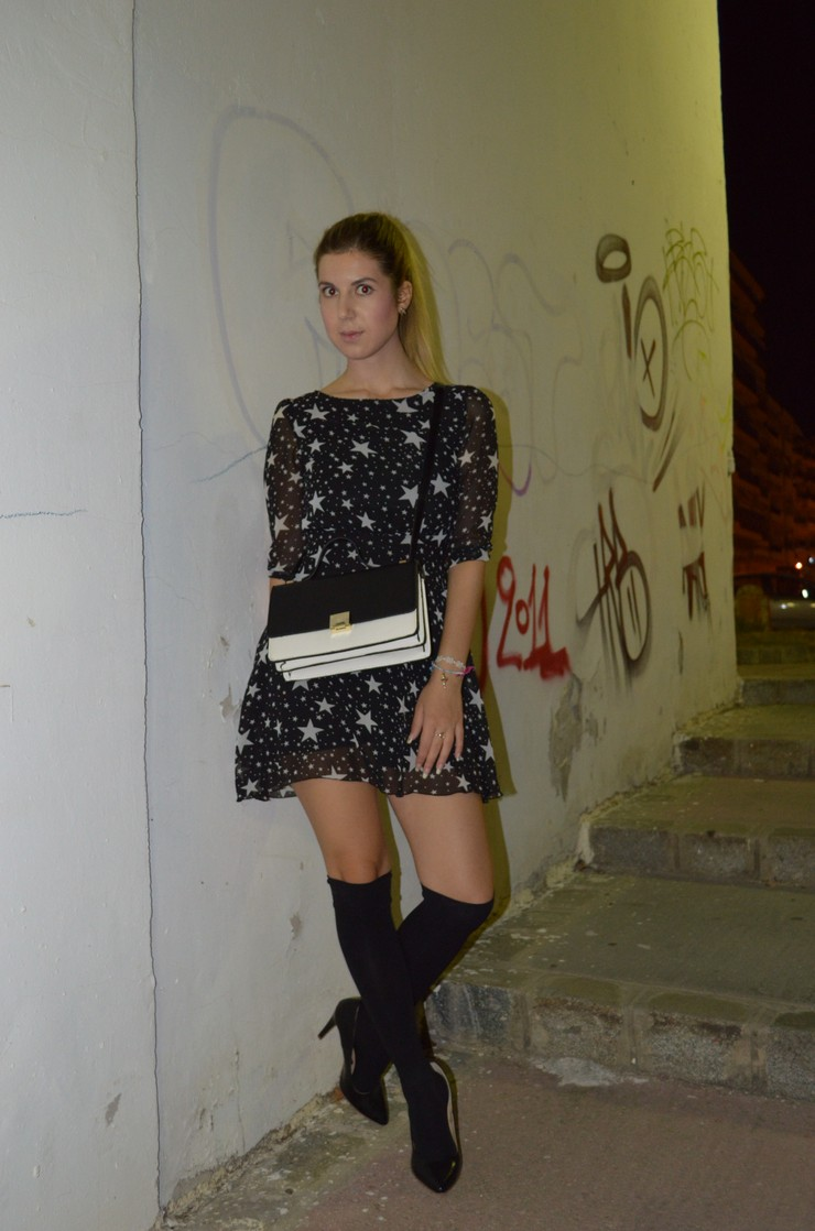 dress with stars socks with heels