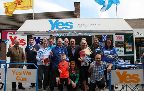 Alex Salmond with the Yes Aberdeenshire campaign