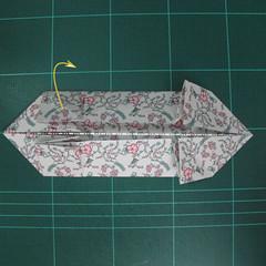 วิธีพับกระดาษรูปหัวใจคู่ (Origami Double Heart)  015