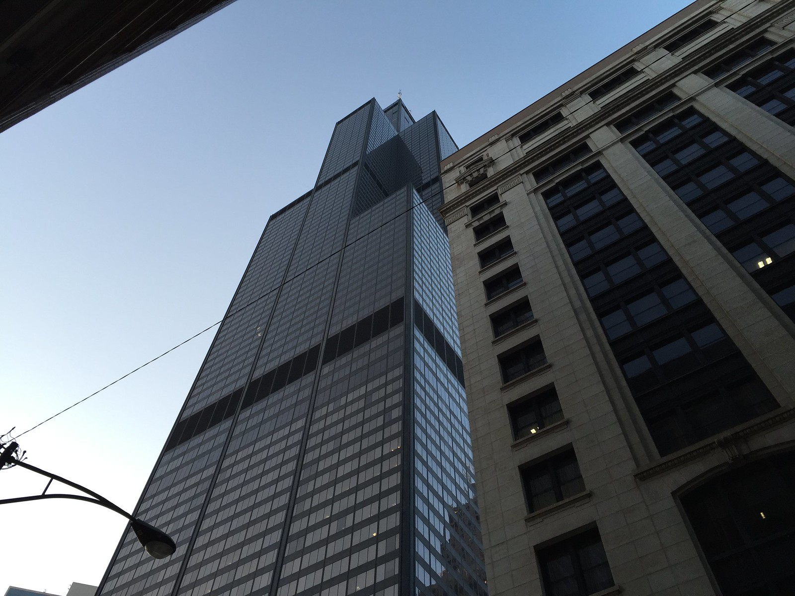 Willis Tower 23-04-2015 19-23-38