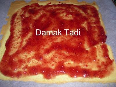 marmelatlı rulo kek