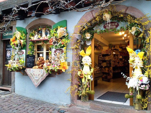 Easter decorations in riquewihr flickr photo sharing for Photo decoration