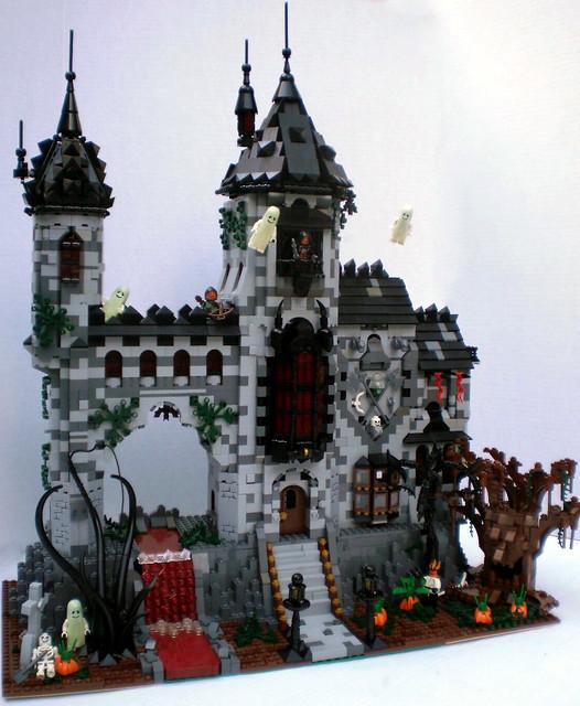 LEGO Haunted Castle