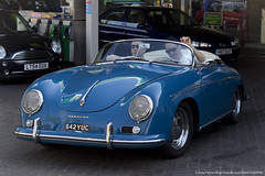 subcompact car(0.0), automobile(1.0), automotive exterior(1.0), porsche 356/1(1.0), vehicle(1.0), automotive design(1.0), porsche 356(1.0), porsche(1.0), city car(1.0), antique car(1.0), classic car(1.0), land vehicle(1.0), sports car(1.0),