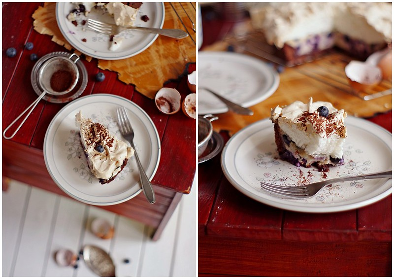 blueberry meringue cocoa pie