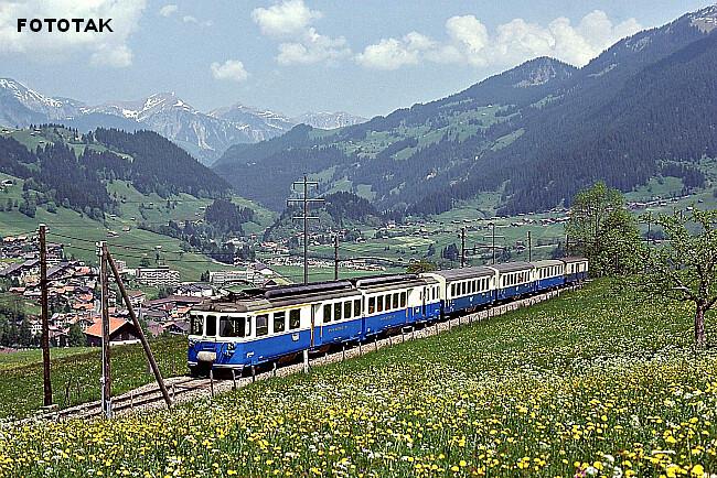 explosion du printemps et ambiance estivale dans les Alpes suisses le 31 mai 1979 météopassion