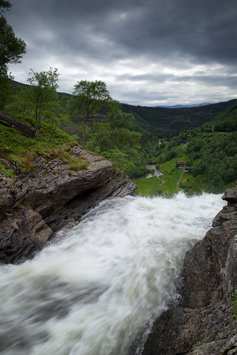 water norway clouds river landscape norge waterfall sommer foss hordaland vann skyer d800 vestlandet landskap elv carlzeiss dfine colorefexpro zf2 distagont225
