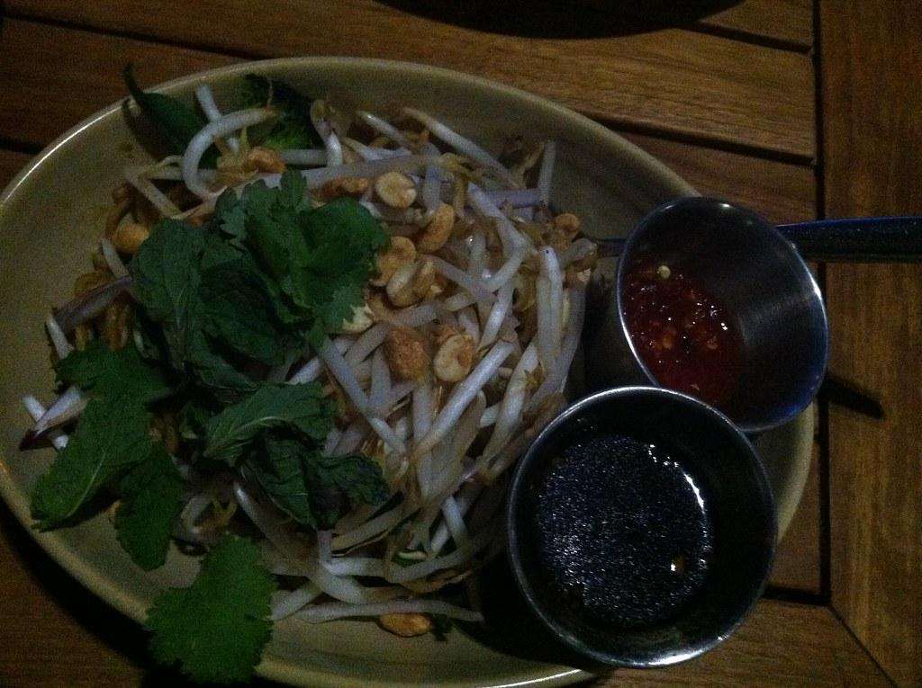 Monkeypod Kitchen by 808Talk