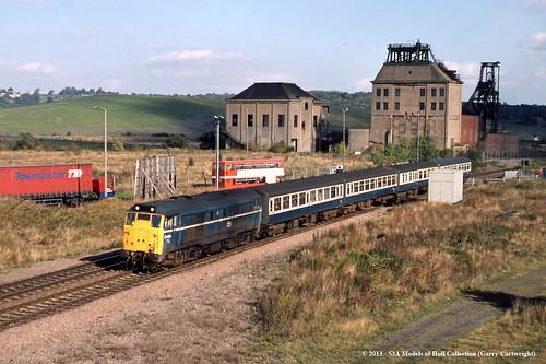 train diesel railway britishrail southyorkshire passengertrain class31 denaby 31409