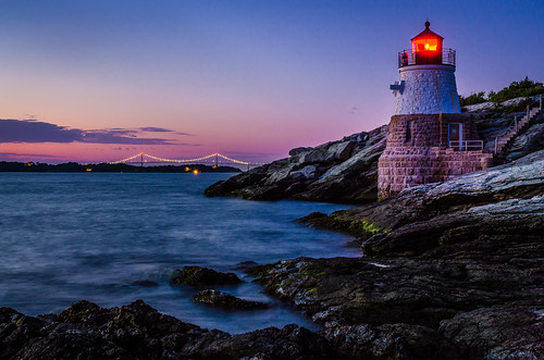 longexposure sunset lighthouse horizontal night landscape photography unitedstates scenic atlantic clear rhodeisland newport watersedge redlight atlanticocean castlehill lighthose newportbridge newportrhodeisland claibornepellnewportbridge castlehilllighthouse posnov viktorposnov bridgemanmadestructure