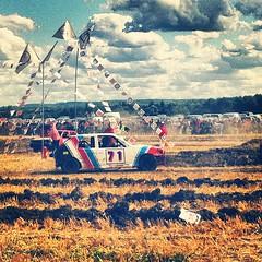Et c'est parti pour une après-midi dans les champs avec @natcapron \o/ ! #stockcar #FordEscort #R5 #205 #Twingo #Corsa