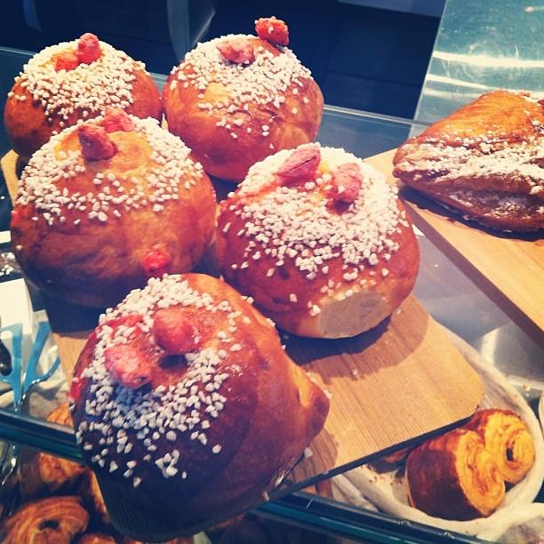 Ces merveilles nous attendent à tous les matins au 355 Place Royale.  #maisonchristianfaure #pâtisserie