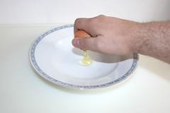 26 - Ei aufschlagen / Open egg
