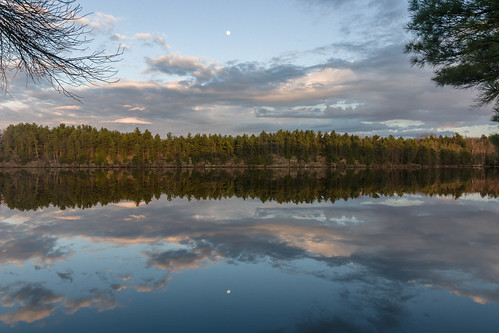 moon ontario clouds reflections hartlake