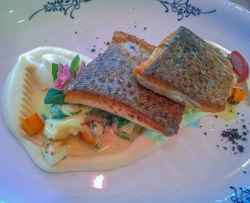Nice presentation,   Restaurant Riviera 15:36:42 IMG_0961