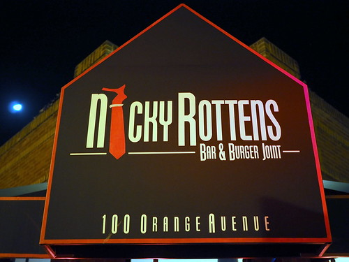 Nicky Rottens Bar & Burger Joint – Coronado