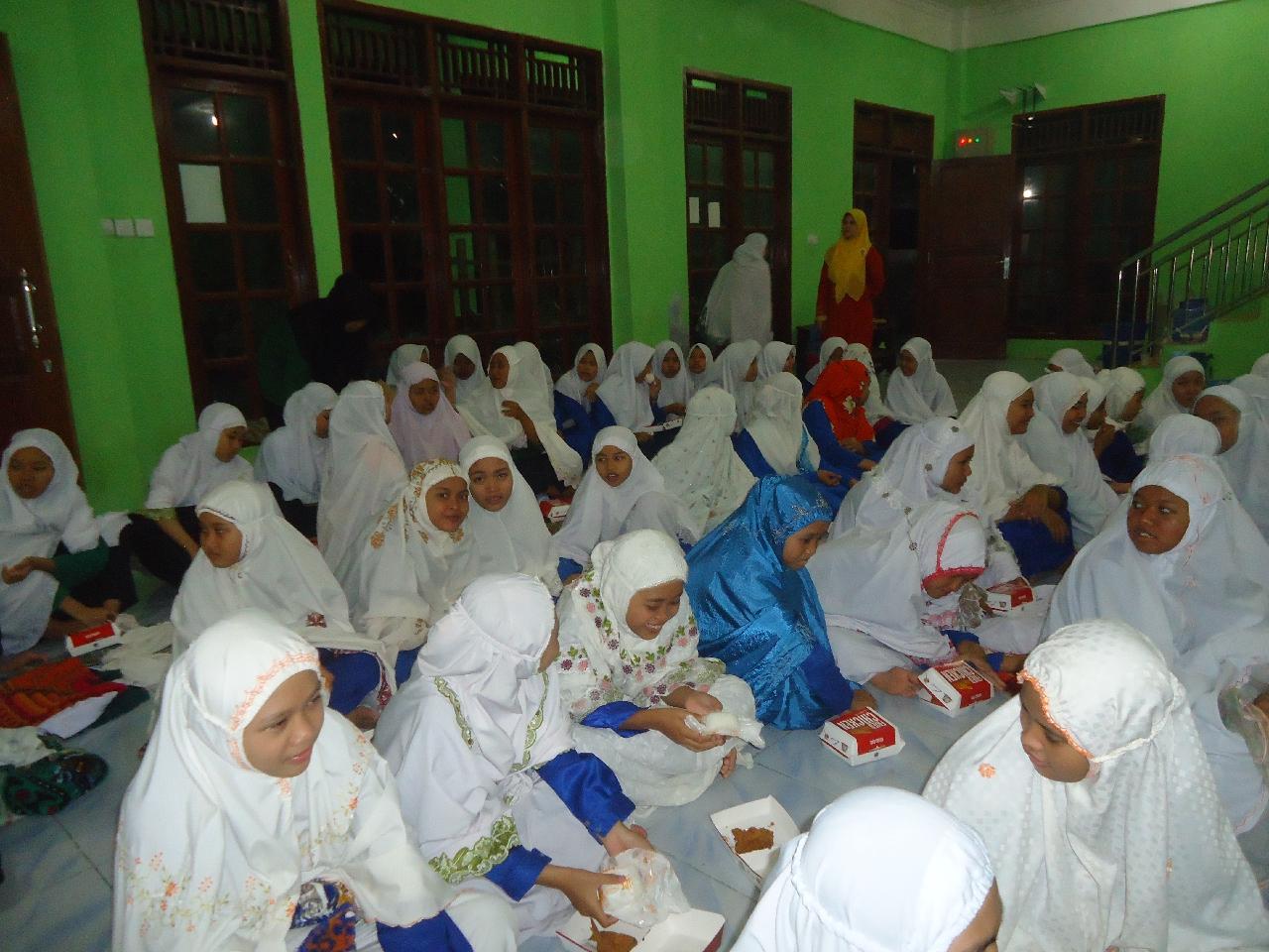 Bukber Pondok Pesantren Darul 'Amal Ramadhan 1436H