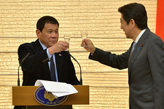 Duterte và Thủ tướng Abe của Nhật