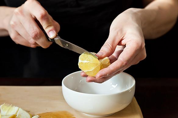 segmenting a lemon